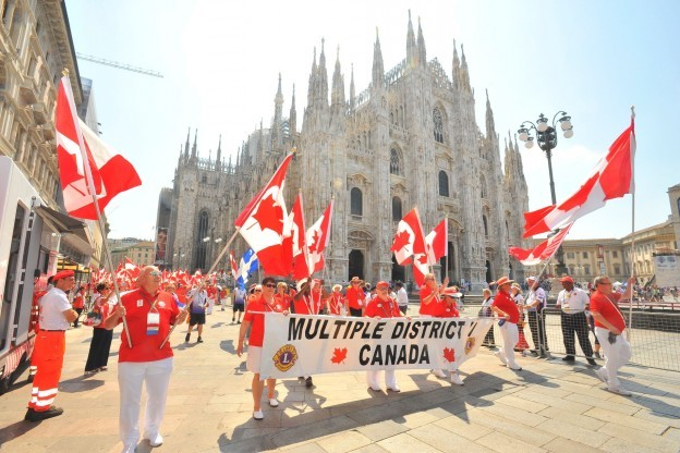 Parade of Nations in front of the Dome in Milan.
